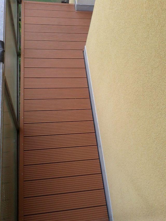 Odlehčená WPC prkna na balkóny bytového domu