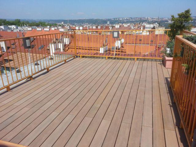 Realizace střešní terasy z dřevoplastu (WPC)