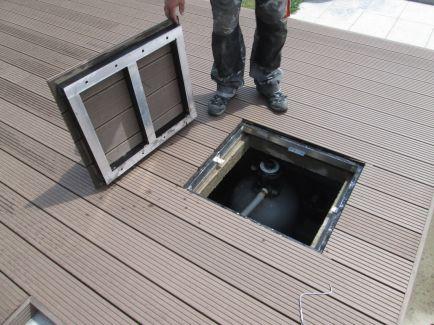 Umístění filtrace pod terasou včetně víka